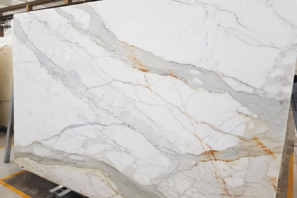 collaudo lastre di marmo bianco