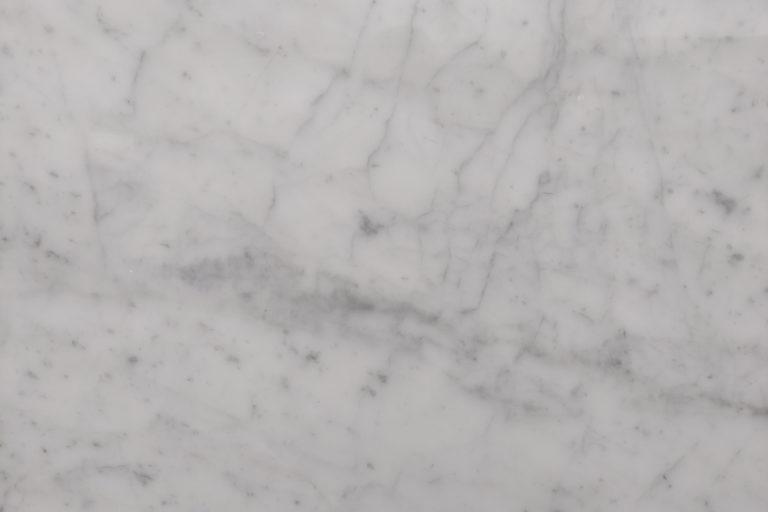 marmo bianco canaloni dettaglio